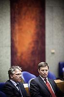Nederland. Den Haag, 28 mei 2009.<br /> Premier Balkenende en vice-premier Wouter Bos.<br /> Debat in de Tweede Kamer over verantwoordingsdag.<br /> Foto : Martijn Beekman