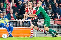 EINDHOVEN - PSV - SC Genemuiden , Voetbal , KNVB Beker , Seizoen 2015/2016 , Philips stadion , 25-10-2015 , PSV speler Jorrit Hendrix (l) in duel met Genemuiden speler Martijn Jansen (r)