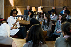 © licensed to London News Pictures. 25/05/2011. Oxford, UK. First Lady Michelle Obama talks to students from Elizabeth Garrett Anderson School (EGA) secondary school at Christ Church, Oxford University today (25/05/2011). The First Lady paid a surprise visit to North London school EGA while on her last visit to London in 2009. Photo credit should read: Ben Cawthra/LNP