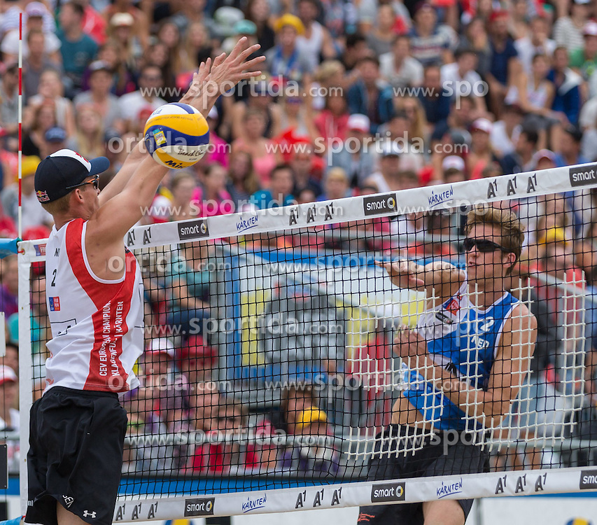 02.08.2015, Strandbad, Klagenfurt, AUT, A1 Beachvolleyball EM 2015, kleines Finale Herren, im Bild links Robert Meeuwsen 2 NED, rechts Christiaan Varenhorst 2 NED// during 3rd Place Match Men, of the A1 Beachvolleyball European Championship at the Strandbad Klagenfurt, Austria on 2015/08/02. EXPA Pictures © 2015, EXPA Pictures © 2015, PhotoCredit: EXPA/ Mag. Gert Steinthaler