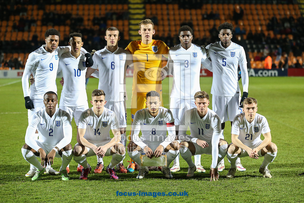 England U20 team line up before the International Friendly match against Mexico U20 at The Hive Stadium, Harrow<br /> Picture by David Horn/Focus Images Ltd +44 7545 970036<br /> 25/03/2015