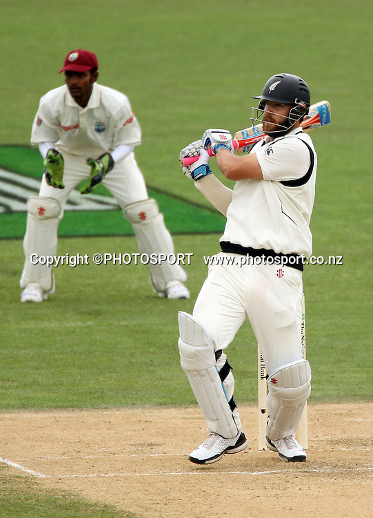 Daniel Vettori batting during play on day 3 of the second cricket test at McLean Park in Napier. National Bank Test Series, New Zealand v West Indies, Sunday 21 December 2008. Photo: Andrew Cornaga/PHOTOSPORT