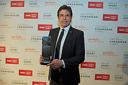 CARDIFF, WALES - Monday, December 5, 2016: Wales manager Chris Coleman with a Special Recognition Award at the Wales Sport Awards 2016 at the Millennium Centre. (Pic by Ian Cook/Propaganda)