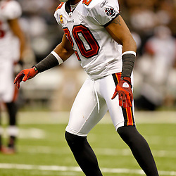 November 6, 2011; New Orleans, LA, USA; Tampa Bay Buccaneers cornerback Ronde Barber (20) against the New Orleans Saints during the second half of a game at the Mercedes-Benz Superdome. The Saints defeated the Buccaneers 27-16. Mandatory Credit: Derick E. Hingle-US PRESSWIRE