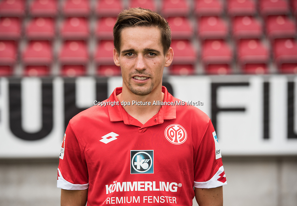 German Bundesliga - Season 2016/17 - Photocall FSV Mainz 05 on 25 July 2016 in Mainz, Germany: Philipp Klement (47). Photo: Andreas Arnold/dpa | usage worldwide