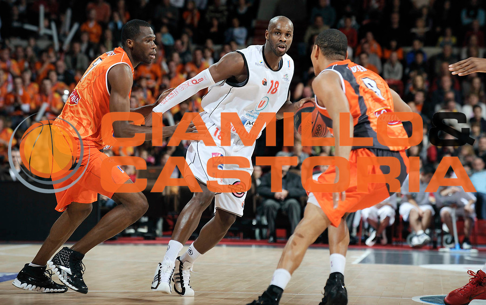 DESCRIZIONE : Championnat de France Basket Ligue Pro A  au Mans<br /> GIOCATORE : Mamoutou Diarra<br /> SQUADRA : Cholet<br /> EVENTO : Ligue Pro A  2010-2011<br /> GARA : Le Mans Cholet<br /> DATA : 13/11/2010<br /> CATEGORIA : Basketbal France Ligue Pro A<br /> SPORT : Basketball<br /> AUTORE : JF Molliere/Herve Petitbon par Agenzia Ciamillo-Castoria <br /> Galleria : France Basket 2010-2011 Action<br /> Fotonotizia : Championnat de France Basket Ligue Pro A au Mans<br /> Predefinita :