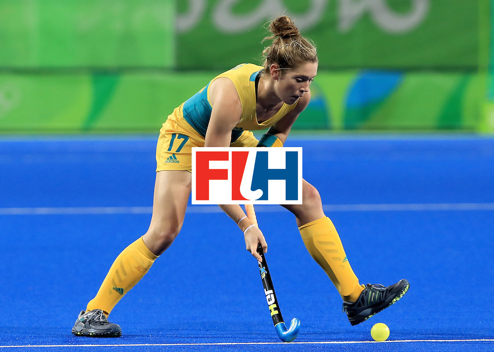 RIO DE JANEIRO, BRAZIL - AUGUST 11:  Georgina Morgan #17 of Australia makes a pass during a Women's Preliminary Pool B match against Argentina at the Olympic Hockey Centre on August 11, 2016 in Rio de Janeiro, Brazil.  (Photo by Sam Greenwood/Getty Images)