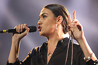 Nadine Shah performing