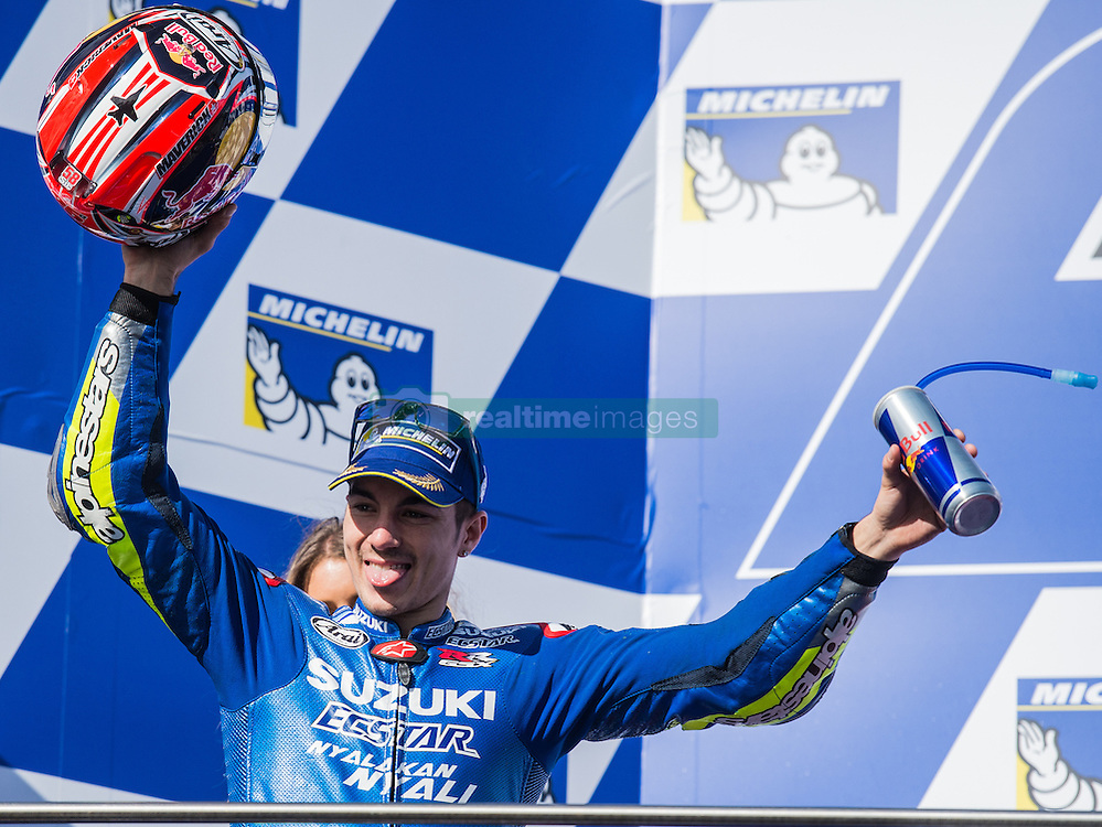 October 23, 2016 - Melbourne, Victoria, Australia - Spanish rider Maverick Viñales (#25) of Team SUZUKI ECSTAR celebrates as he enters the podium area after finishing third after the MotoGP category race at the 2016 Australian MotoGP held at Phillip Island, Australia. (Credit Image: © Theo Karanikos via ZUMA Wire)