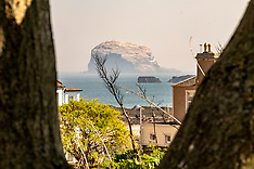 Summer weather comes early, North Berwick, 22 April 2019