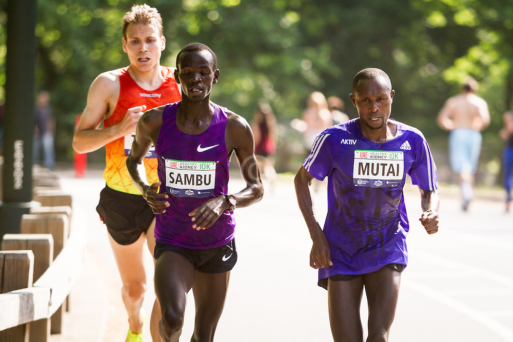 UAE Healthy Kidney 10K, True, Sambu, Mutai with one mile to go