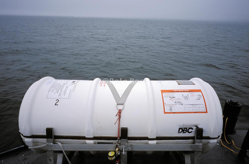 emergency boat capsule