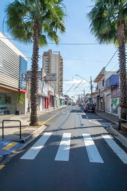 Rua comercial, Votuporanga - SP, 04/2017.