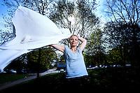 Lene Baad Hansen<br /> Sammen med en Ph.d studerende Mohit Kothari for hvem hun er hovedvejleder. Han arbejder med en fors&oslash;gsperson, hvor han med magnetisk stimulation unders&oslash;ger hjernebarkens styring af tungen<br /> <br /> 28.04.2011 &copy; 2011 Jesper Balleby
