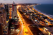 Natal_RN, Brasil...Bairro de Ponta Negra com a praia ao lado direito em Natal, Rio Grande do Norte...Ponta Negra neighborhood with the beach in Natal, Rio Grande do Norte...Foto: LEO DRUMOND / NITRO
