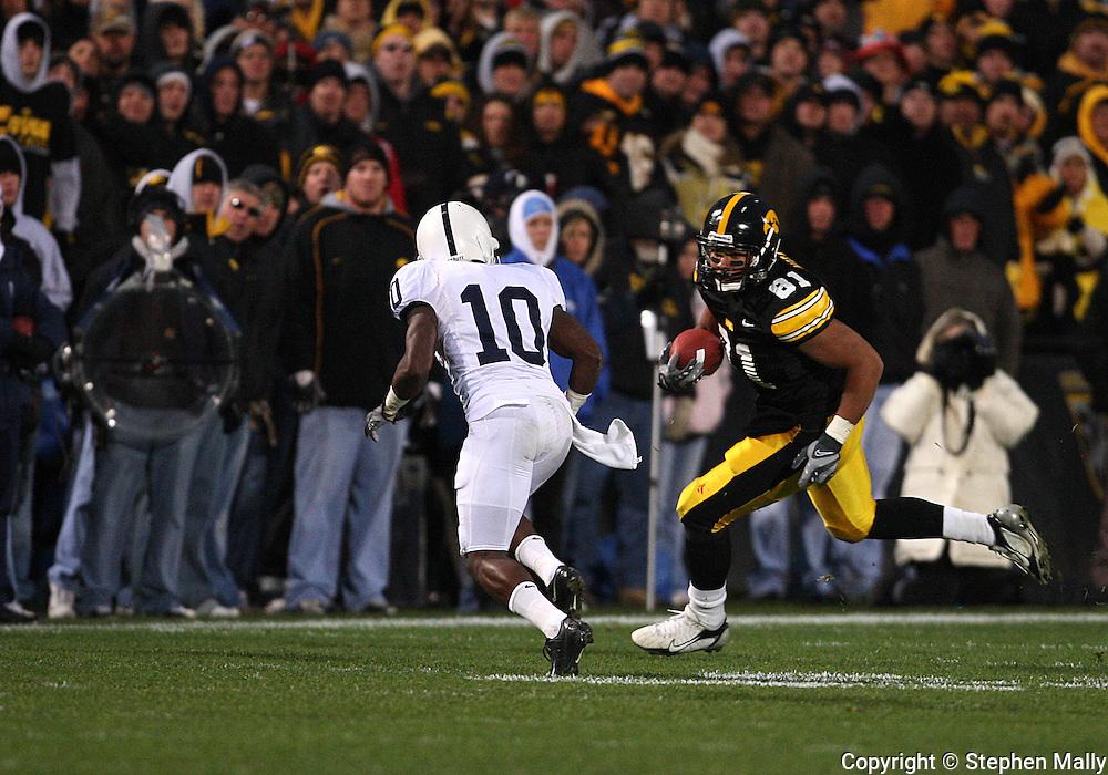 08 NOVEMBER 2008: Iowa tight end Tony Moeaki (81) runs for an 8 yard gain in the second half of an NCAA college football game against Penn State, at Kinnick Stadium in Iowa City, Iowa on Saturday Nov. 8, 2008. Iowa beat Penn State 24-23.