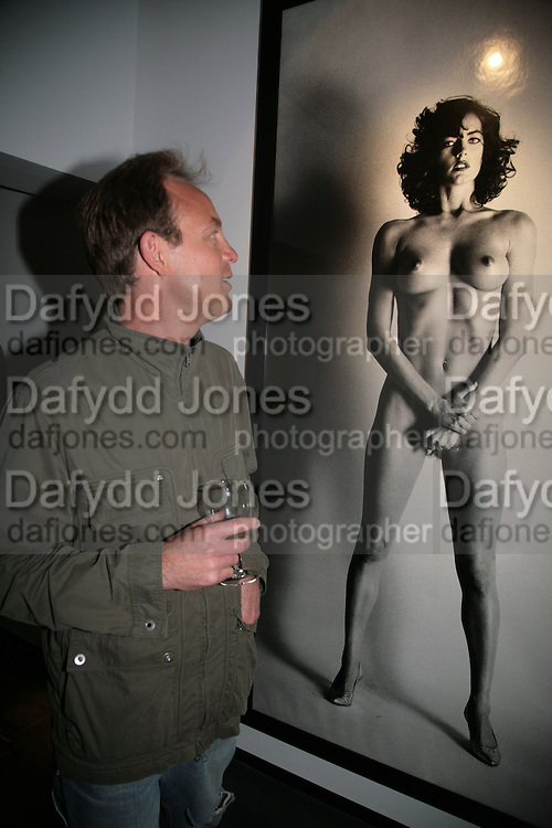 JASON DONOVAN, Helmut Newton XL. Hamiltons. Carlos Place. London. 25 September 2007. -DO NOT ARCHIVE-© Copyright Photograph by Dafydd Jones. 248 Clapham Rd. London SW9 0PZ. Tel 0207 820 0771. www.dafjones.com.