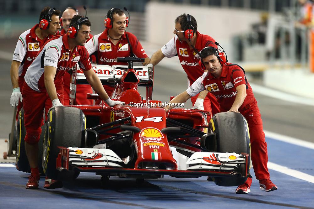 &copy; Photo4 / LaPresse<br /> 21/11/2014 Abu Dhabi, UAE<br /> Sport <br /> Grand Prix Formula One Abu Dhabi 2014<br /> In the pic: Fernando Alonso (ESP) Scuderia Ferrari F14-T