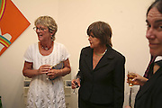DIANA MELLY AND SUSANNAH CLAPP, Celebrating George Melly at 80: Aspects of his Collection. The Mayor Gallery. Cork St. London. 17 August 2006. ONE TIME USE ONLY - DO NOT ARCHIVE  © Copyright Photograph by Dafydd Jones 66 Stockwell Park Rd. London SW9 0DA Tel 020 7733 0108 www.dafjones.com
