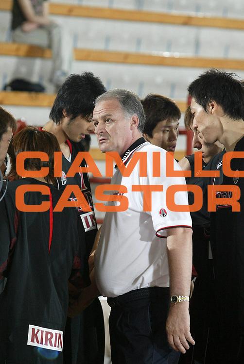 DESCRIZIONE : Porto San Giorgio Torneo Internazionale dell'Adriatico Giappone-Francia Japan-France<br /> GIOCATORE : Pavlicevic<br /> SQUADRA : Giappone Japan<br /> EVENTO :  Porto San Giorgio Torneo Internazionale dell'Adriatico Giappone-Francia<br /> GARA : Giappone Francia Japan France<br /> DATA : 02/07/2006 <br /> CATEGORIA : <br /> SPORT : Pallacanestro <br /> AUTORE : Agenzia Ciamillo-Castoria/M.Cacciaguerra