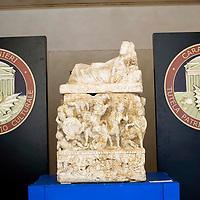 Carabinieri recuperano urne funerarie di eccezionale valore