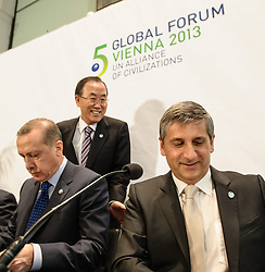27.02.2013, Hofburg, Wien, AUT, Bundesregierung, 5. Globales Forum der UNAOC, im Bild v.l.n.r. Ministerpraesident Türkei Recep Tayyip Erdogan, UNO Generalsekretaer Ban Ki-moon und Vizekanzler und Bundesminister <br /> für europäische und internationale Angelegenheiten Dr. Michael Spindelegger ÖVP // f.l.t.r. prime minister of turkey  Recep Tayyip Erdoğan, General Secretary of the United Nation Organisation Ban Ki-moon und Vice chancellor and foreign secretary Michael Spindelegger OEVP  during 5th global forum of the UN Alliance of Civilizations, Hofburg, Vienna, Austria on 2013/02/27, EXPA Pictures © 2013, PhotoCredit: EXPA/ Michael Gruber