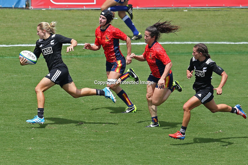 New Zealand and Spain on day one at the Brazil 7s in Sao Paulo. Credits: Luiz Pires/Fotojump