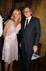 SARAH MUSGRAVE and SIMON TIFFIN at a party to celebrate the publication of Title Deeds by Liza Campbell at the First Floor, 186 Portobello Road, London on 14th June 2006.<br /><br />NON EXCLUSIVE - WORLD RIGHTS