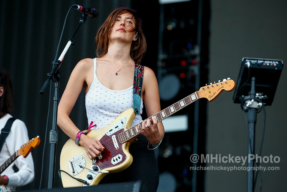 CHICAGO, IL - AUGUST 05: Emily Kokal of Warpaint performs at Grant Park on August 5, 2017 in Chicago, Illinois. (Photo by Michael Hickey/Getty Images) *** Local Caption *** Emily Kokal