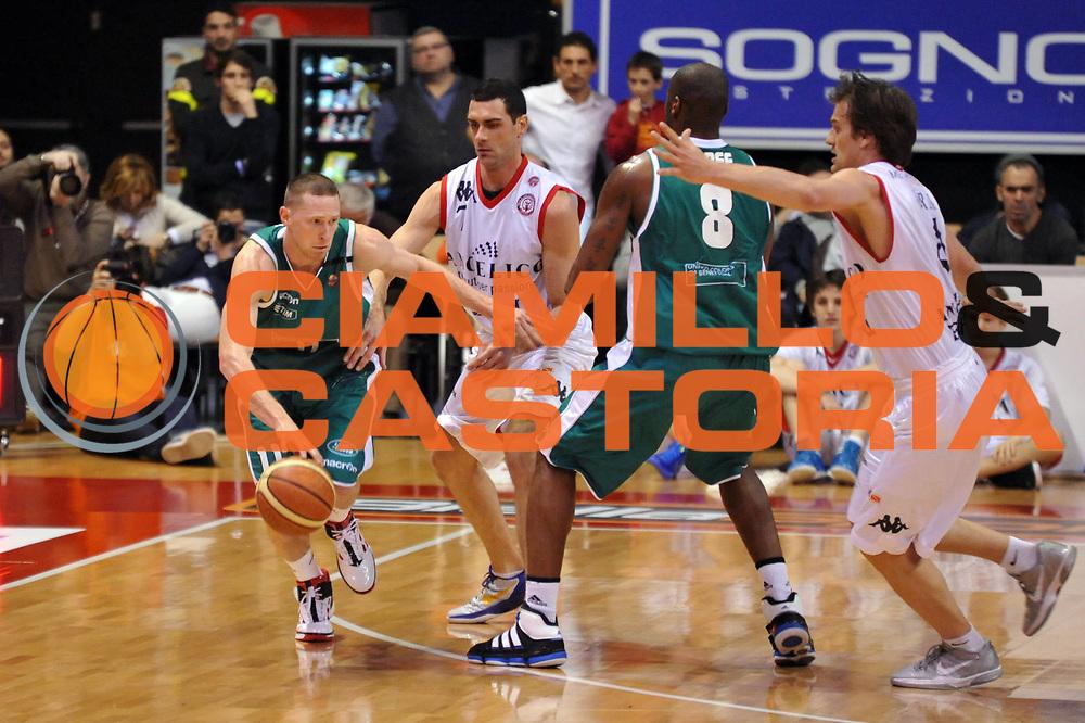 DESCRIZIONE : Biella Lega A 2011-12 Angelico Biella Benetton Treviso<br /> GIOCATORE : Jobey Thomas<br /> CATEGORIA : Palleggio<br /> SQUADRA : Benetton Treviso<br /> EVENTO : Campionato Lega A 2011-2012<br /> GARA : Angelico Biella Benetton Treviso<br /> DATA : 18/03/2012<br /> SPORT : Pallacanestro<br /> AUTORE : Agenzia Ciamillo-Castoria/S.Ceretti<br /> Galleria : Lega Basket A 2011-2012<br /> Fotonotizia : Biella Lega A 2011-12 Angelico Biella Benetton Treviso<br /> Predefinita :