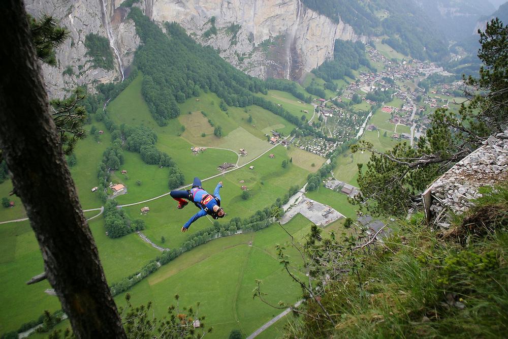 Basejump, Enak Gavaggio, Lauterbrunnen, switzerland