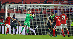 VIENNA, AUSTRIA - Thursday, October 6, 2016: Wales' goalkeeper Wayne Hennessey in action against Austria during the 2018 FIFA World Cup Qualifying Group D match at the Ernst-Happel-Stadion. (Pic by David Rawcliffe/Propaganda)