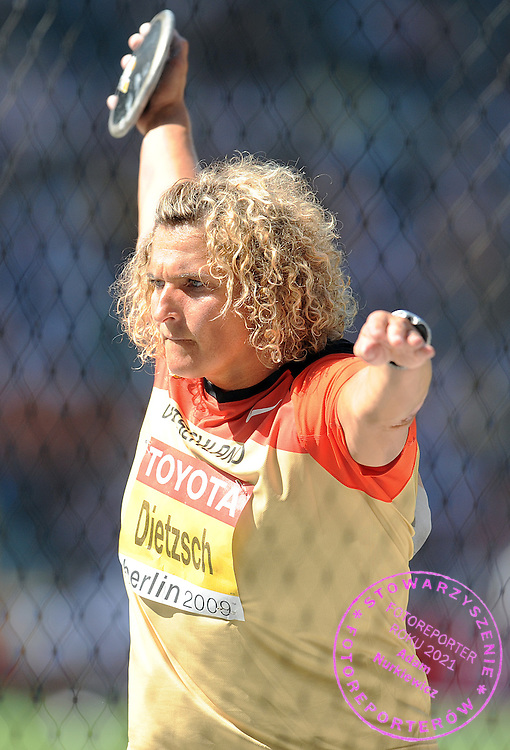 FRANKA DIETZSCH (GERMANY) COMPETES IN THE DISCUS WOMEN QUALIFICATION ON THE OLYMPIC STADION ( OLIMPIASTADION ) DURING 12TH IAAF WORLD CHAMPIONSHIPS IN ATHLETICS BERLIN 2009..BERLIN , GERMANY , AUGUST 19, 2009..( PHOTO BY ADAM NURKIEWICZ / MEDIASPORT )..PICTURE ALSO AVAIBLE IN RAW OR TIFF FORMAT ON SPECIAL REQUEST.