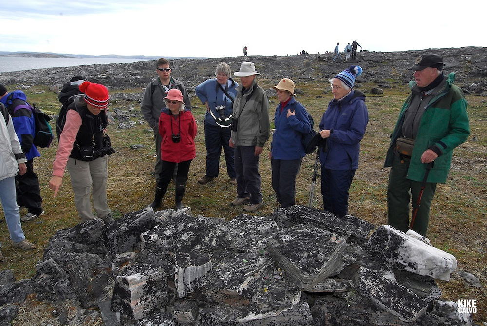 Opingivik Island. Baffin Island South. Evidence found nearby show that the Thule culture, ancestors of todays inuits lived here. , Burial made with rocks, Fox trap