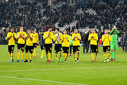 24.02.2015, Juventus Stadium, Turin, ITA, UEFA CL, Juventus Turin vs Borussia Dortmund, Achtelfinale, Hinspiel, im Bild Enttaeuschung bei der Mannschaft von Borussia Dortmund auf dem Weg zur Fankurve // during the UEFA Champions League Round of 16, 1st Leg match between between Juventus Turin and Borussia Dortmund on at the Juventus Stadium in Turin, Italy on 2015/02/24. EXPA Pictures © 2015, PhotoCredit: EXPA/ Eibner-Pressefoto/ Kolbert<br /> <br /> *****ATTENTION - OUT of GER*****