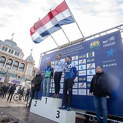 09-12-2018: Wielrennen: EK beachrace: Scheveningen<br />Erik Dekker werd Europees Kampioen bij de master voor Ramses Bekkenk en Sander Lormans