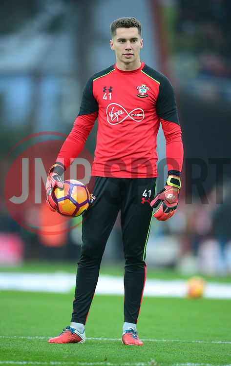 Harry Lewis of Southampton - Mandatory by-line: Alex James/JMP - 18/12/2016 - FOOTBALL - Vitality Stadium - Bournemouth, England - Bournemouth v Southampton - Premier League