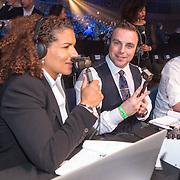 NLD/Amsterdam/20151204 - Freefightgala Glory26, Lucia Rijker en Jeroen Post aan het presenteren voor Spike