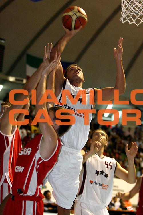 DESCRIZIONE : Cagliari Primo Torneo Internazionale Sardegna a Canestro Lettonia Polonia<br /> GIOCATORE : Armands Skele<br /> SQUADRA : Lettonia<br /> EVENTO : Cagliari Primo Torneo Internazionale Sardegna a Canestro <br /> GARA : Lettonia Polonia<br /> DATA : 12/08/2007 <br /> CATEGORIA : Tiro<br /> SPORT : Pallacanestro <br /> AUTORE : Agenzia Ciamillo-Castoria/E.Castoria