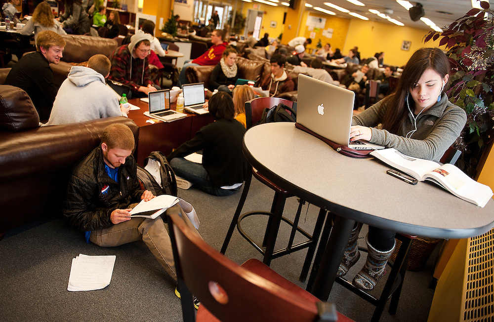 Maria Mills, right, and Will Flagg study for finals at Crosby Student Center  in December 2011.<br /> <br /> Photo by Rajah Bose