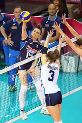 18-06-2016 ITA: World Grand Prix Italie - Nederland, Bari<br /> Nederland wint opnieuw van Italie, het ging moeizaam maar de 3-1 winst was genoeg / Antonella Del Core #15 of Italie, Yvon Belien #3<br /> <br /> <br /> ***NETHERLANDS ONLY***