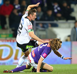 02.12.2015, Generali Arena, Wien, AUT, 1. FBL, FK Austria Wien vs SK Puntigamer Sturm Graz, 18. Runde, im Bild Roman Kienast (SK Puntigamer Sturm Graz) und Lukas Rotpuller (FK Austria Wien) // during Austrian Football Bundesliga Match, 18th Round, between FK Austria Vienna and SK Puntigamer Sturm Graz at the Generali Arena, Vienna, Austria on 2015/12/02. EXPA Pictures © 2015, PhotoCredit: EXPA/ Thomas Haumer