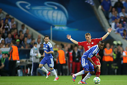 19.05.2012, Allianz Arena, Muenchen, GER, UEFA CL, Finale, FC Bayern Muenchen (GER) vs FC Chelsea (ENG), im Bild Chelsea's Ivory Coast forward Salomon Kalou and Bayern's German midfielder Bastian Schweinsteiger in action during the Final Match of the UEFA Championsleague between FC Bayern Munich (GER) vs Chelsea FC (ENG) at the Allianz Arena, Munich, Germany on 2012/05/19. EXPA Pictures © 2012, PhotoCredit: EXPA/ Mitchel Gunn