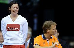 12-09-2014 NED: Davis Cup Nederland - Kroatie, Amsterdam<br /> Crew members bekijkt Igor Sijsling en Jan Siemerink eens goed