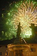 Trento Città piazza Duomo San Vigilio con i fuochi d'artificio, centro storico  © foto Daniele Mosna