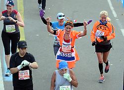 03-11-2013 ALGEMEEN: BVDGF NY MARATHON: NEW YORK <br /> De NY marathon werd weer een groot succes voor de BvdGf. Alle lopers hebben met prachtige tijden de finish gehaald / Jessie finisht in 5:03:48<br /> ©2013-FotoHoogendoorn.nl