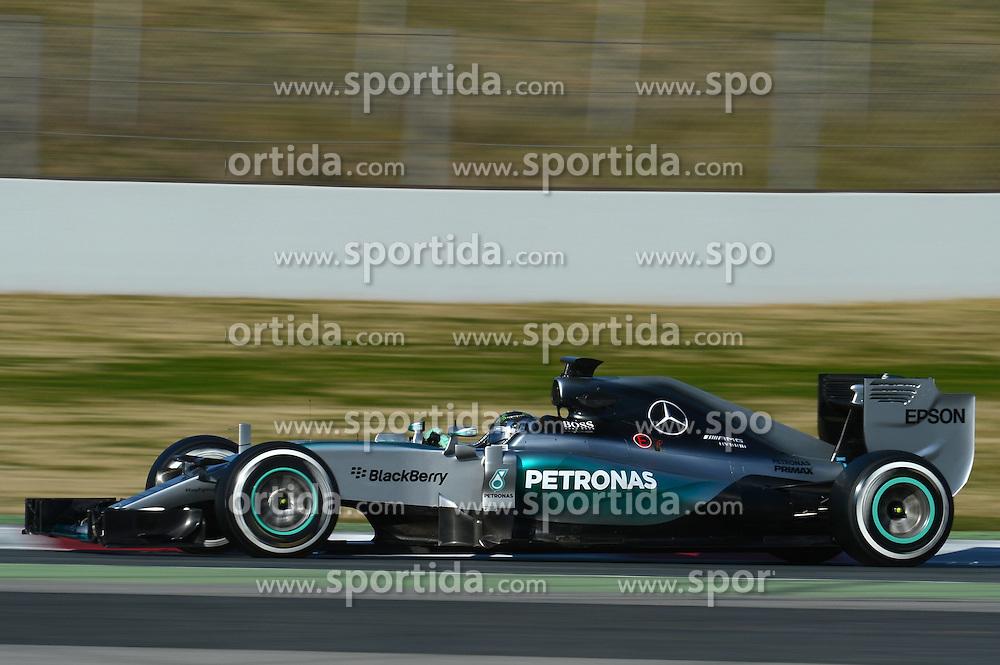 27.02.2015, Circuit de Catalunya, Barcelona, ESP, FIA, Formel 1, Testfahrten, Barcelona, Tag 2, im Bild Nico Rosberg (GER) Mercedes AMG F1 W06 // during the Formula One Testdrives, day two at the Circuit de Catalunya in Barcelona, Spain on 2015/02/27. EXPA Pictures &copy; 2015, PhotoCredit: EXPA/ Sutton Images/ Patrik Lundin Images<br /> <br /> *****ATTENTION - for AUT, SLO, CRO, SRB, BIH, MAZ only*****