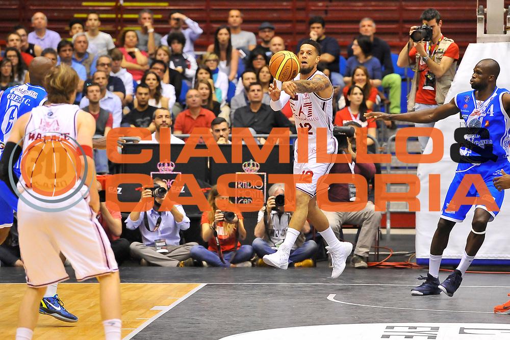 DESCRIZIONE : Campionato 2013/14 Semifinale GARA 2 Olimpia EA7 Emporio Armani Milano - Dinamo Banco di Sardegna Sassari<br /> GIOCATORE : Daniel Hackett<br /> CATEGORIA : Passaggio Controcampo<br /> SQUADRA : Olimpia EA7 Emporio Armani Milano<br /> EVENTO : LegaBasket Serie A Beko Playoff 2013/2014<br /> GARA : Olimpia EA7 Emporio Armani Milano - Dinamo Banco di Sardegna Sassari<br /> DATA : 01/06/2014<br /> SPORT : Pallacanestro <br /> AUTORE : Agenzia Ciamillo-Castoria / Luigi Canu<br /> Galleria : LegaBasket Serie A Beko Playoff 2013/2014<br /> Fotonotizia : DESCRIZIONE : Campionato 2013/14 Semifinale GARA 2 Olimpia EA7 Emporio Armani Milano - Dinamo Banco di Sardegna Sassari<br /> Predefinita :