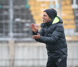 17.02.2015, Trainingsgelände, Augsburg, GER, 1. FBL, FC Augsburg, Training, im Bild Markus Weinzierl (Trainer FC Augsburg) gibt Anweisungen auf dem Trainingsplatz, // during a trainingssession of the german 1st bundesliga club FC Augsburg at the Trainingsgelände in Augsburg, Germany on 2015/02/17. EXPA Pictures © 2015, PhotoCredit: EXPA/ Eibner-Pressefoto/ Krieger<br /> <br /> *****ATTENTION - OUT of GER*****