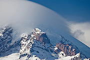 leading edge streaks of a Mount Rainier Lenticular cloud (Altocumulus standing lenticularis), Mount Rainier National Park, Washington, USA